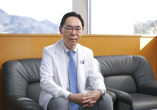 井上慶三 院長
